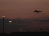 Смещение магнитного полюса Земли потребовало изменения разметки взлетно-посадочных полос самолетов