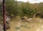 Мощное наводнение смывает дома в Перу и Боливии