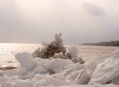 Откуда в Азовском море появились айсберги?