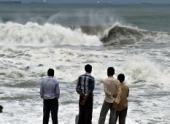 Жертвами урагана «Файлин» в Индии стали 14 человек