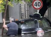 Западная Аргентина оказалась во власти сильнейшего шторма