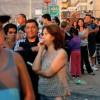 Жители пострадавшего от землетрясения города в Чили жгут баррикады
