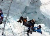 На Эвересте сошла опаснейшая лавина