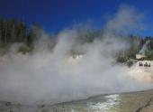 Ученые опровергли слухи о готовящемся извержении супервулкана в США