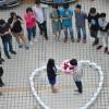 Китаец сделал предложение девушке с помощью 99 смартфонов Apple
