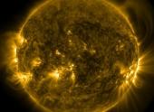 Зафиксирован массивный выброс на Солнце