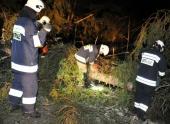 Ураган в Польше срывал крыши домов и валил деревья
