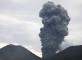Вулкан Шивелуч выбросил 250-километровый шлейф пепла