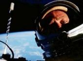 Астронавт сделал первое в мире селфи в космосе