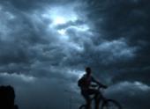 Из-за урагана «Офелия» в Эстонии прошел черный дождь