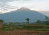 На Яве раздают дыхательные маски в связи с угрозой извержения вулкана