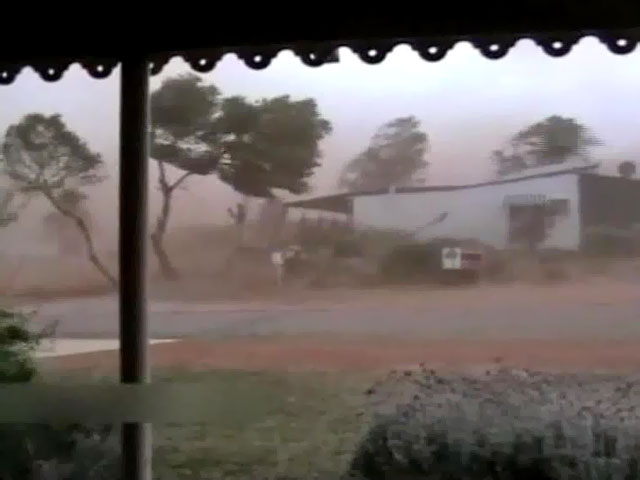 В Австралии из-за приближения циклона началась эвакуация населения