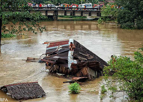 Филиппины заливает большая вода