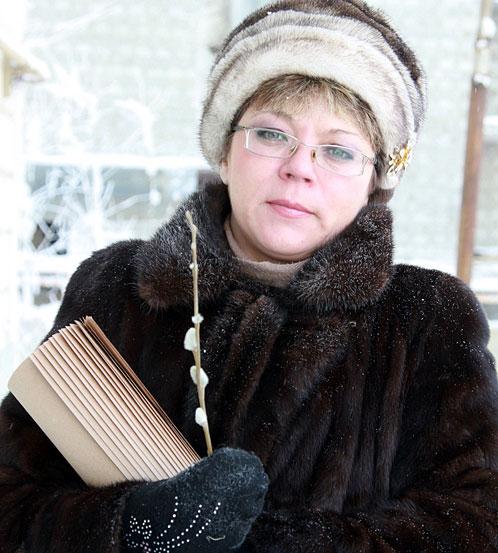 Жительница Якутска Алена Перфильева обомлела, когда утром на вербе рядом с домом заметила… набухшие почки