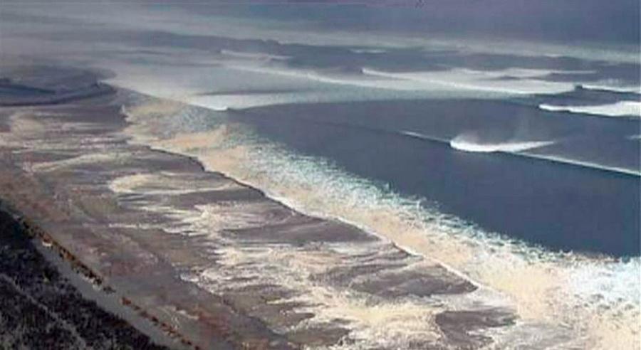 Приближается новая волна цунами