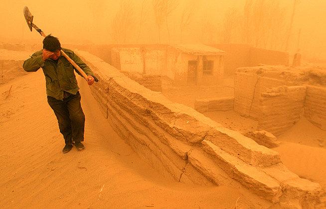 В Китае нехватка воды и пыльные бури